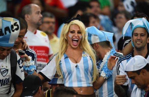 Симпатичные болельщицы на Чемпионате мира по футболу 2014 (34 фото)
