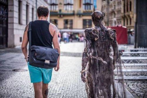 Потрясающий костюм зомби (15 фото)