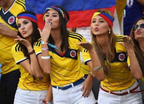 Страстные болельщицы на Чемпионате мира по футболу (32 фото)