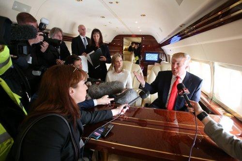 Внутри частного самолёта Дональда Трампа (12 фото)