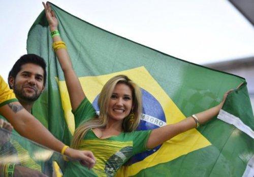 Самые привлекательные и страстные болельщицы Чемпионата мира (23 фото)