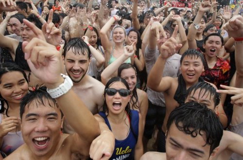 Фестиваль грязи в городе Порён (21 фото)