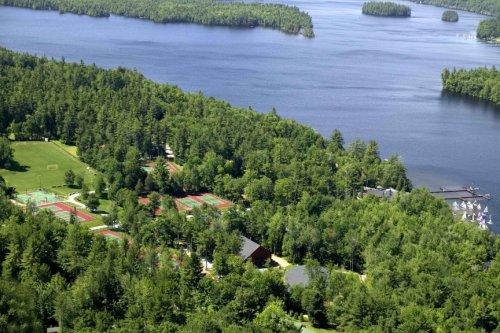 9 Летних лагерей для детей из богатых семей