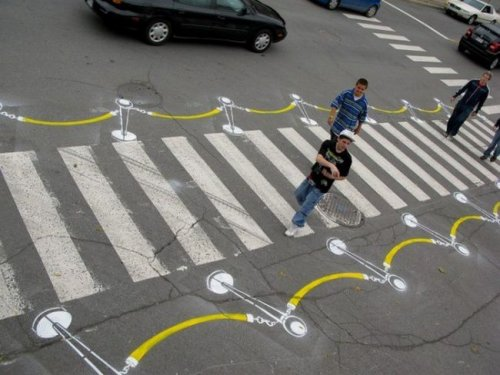 """Самые необычные """"зебры"""" на пешеходных переходах (22 фото)"""