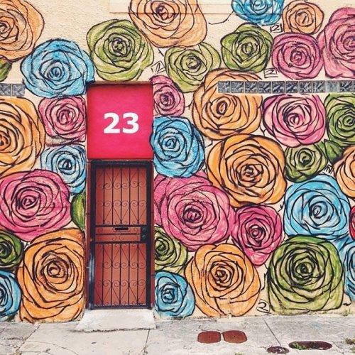 Самые необычные и красивые двери мира (29 фото)