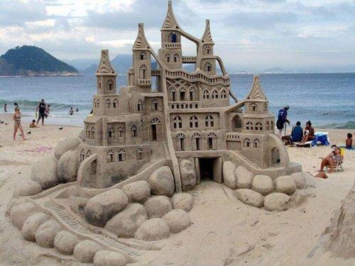 Потрясающие песочные замки (19 фото)