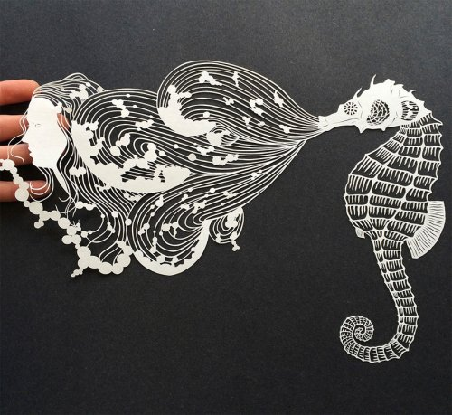 Потрясающие работы, вырезанные из бумаги (11 фото)