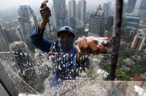 Высотные работы для настоящих смельчаков (10 фото)