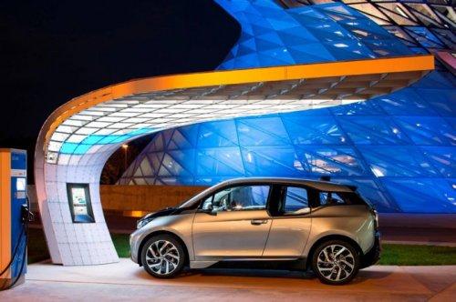 """Зарядные станции """"point.one S"""" от EIGHT и BMW Group (8 фото)"""