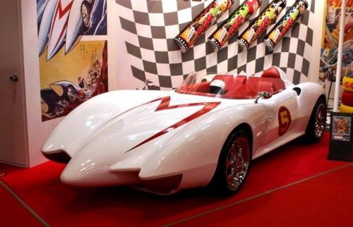 Топ-13 легендарных автомобилей Голливуда всех времен