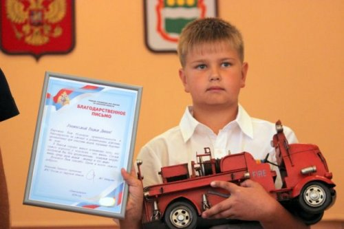 10-летний Вадим Диких спас тонущую женщину с двухгодовалой дочкой (6 фото)