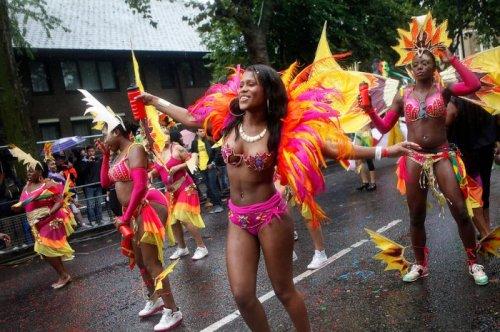 Ноттинг-Хиллский карнавал в Лондоне (14 фото)