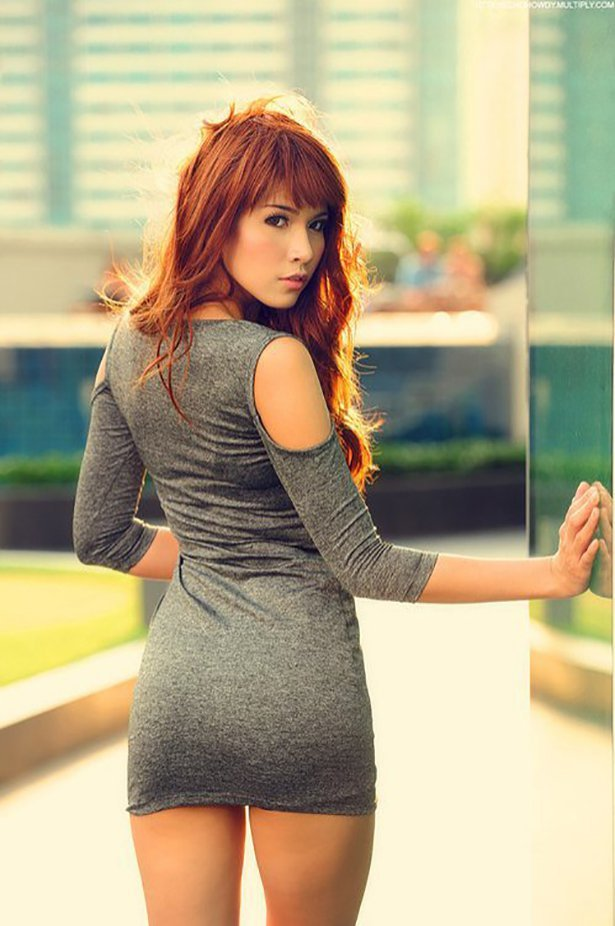 Фото рыжей стройной девушки