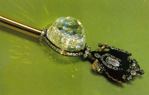 Топ-9 легендарных проклятых бриллиантов