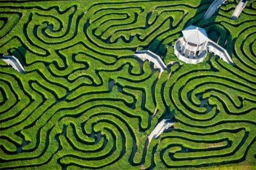 http://www.bugaga.ru/uploads/posts/2014-09/thumbs/1410163929_labirint-longleat-hedge-maze-2.jpg
