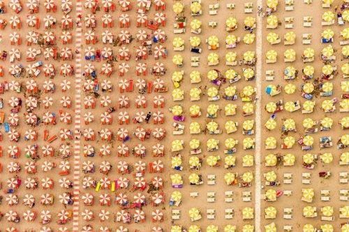 Аэроснимки пляжей, снятые Бернардом Лангом (22 фото)