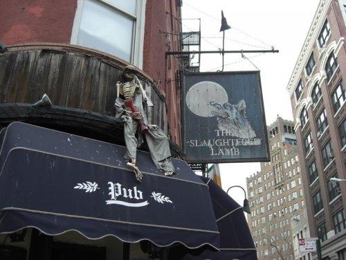Топ-8 баров со всего мира, вдохновленных фильмами ужасов