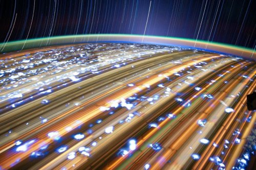 Потрясающие снимки Земли, сделанные из космоса на длинной выдержке (10 шт)