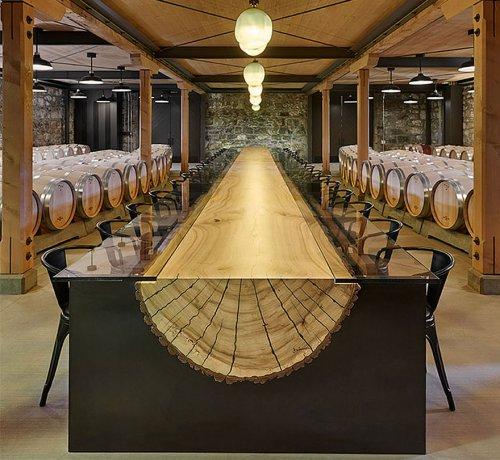 Оригинальный дизайн столов (27 фото)