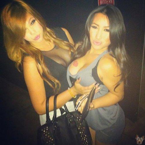 Девушки с большой грудью (31 фото)