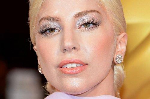 Топ-9 знаменитостей, страдающих крайним нарциссизмом