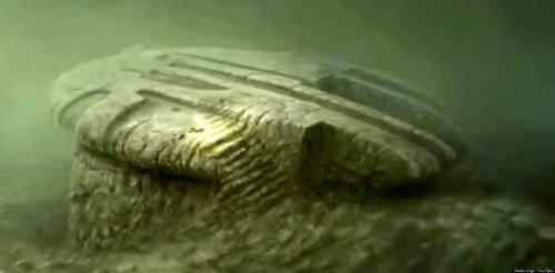 Топ-10 самых странных вещей, найденных на дне океана