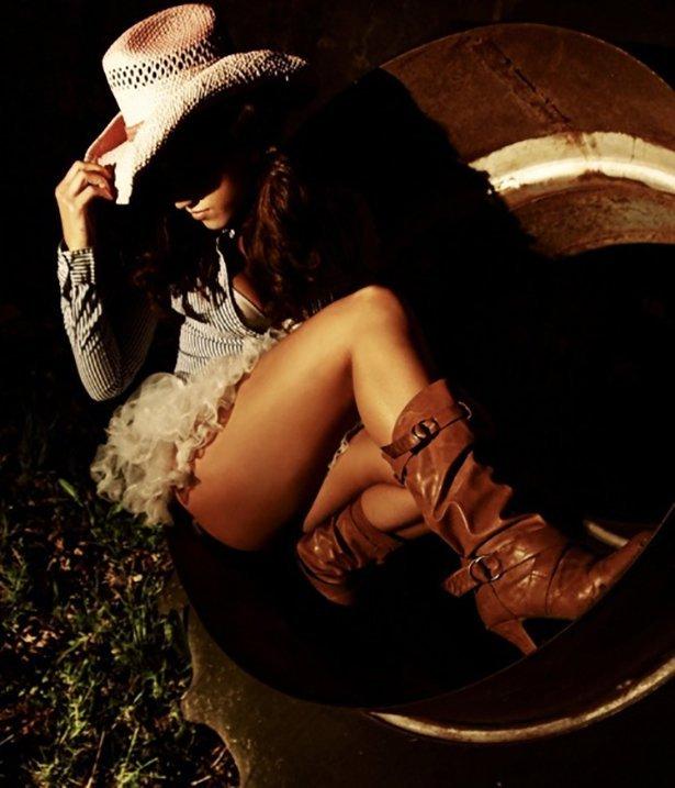 эротические фото девушек в ковбойской одежде