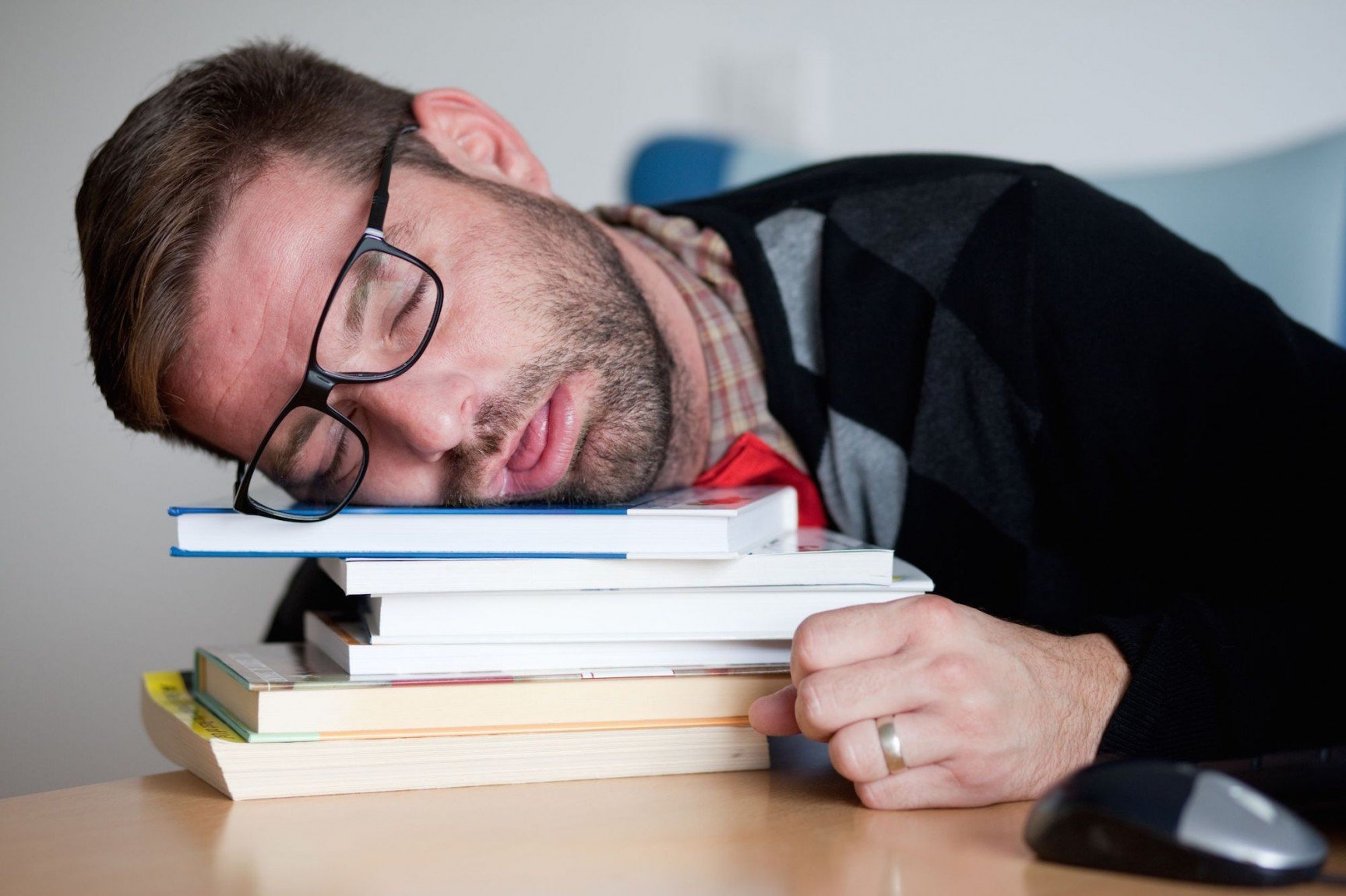 the effects of internet on sleep Comm tech posted by yrndj monday, february 8, 2016 at 8:59am 1)what did strict study generally find about the effect of internet use on sleep writeacher monday, february 8, 2016 at 9:35am.