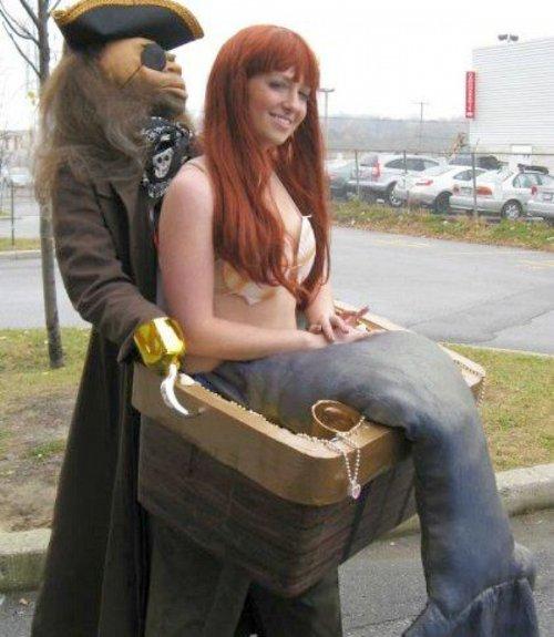 Отличные костюмы на Хэллоуин с ложными ногами (15 фото)