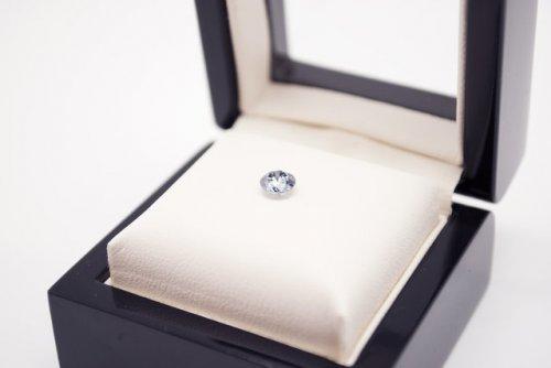 Швейцарская компания предлагает превратить прах умерших в бриллианты (22 фото)
