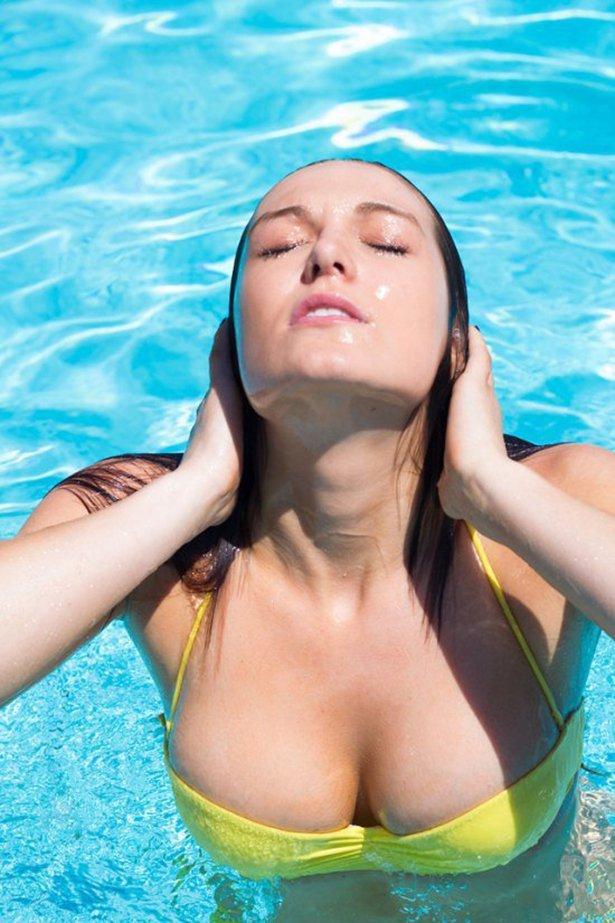 goryachie devushki v bikini