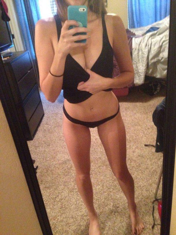 фото девушек тело селфи