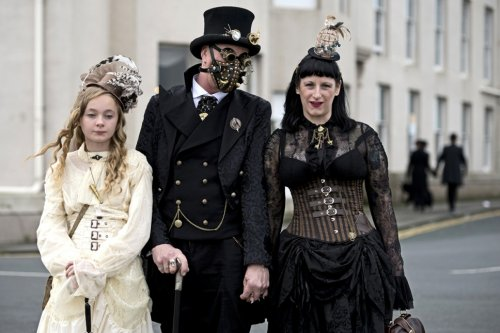 В Уитби прошёл готический фестиваль Whitby Gothic Weekend (26 фото)