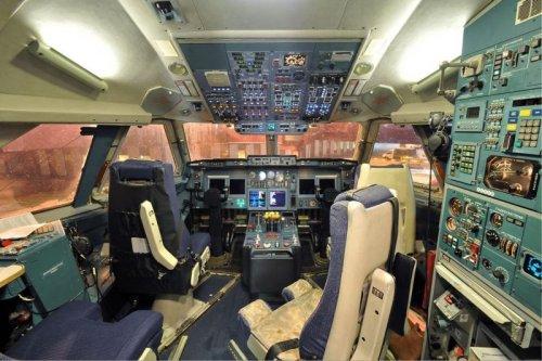 кабина самолета путина