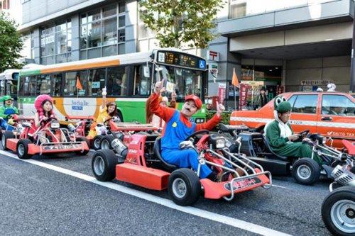 Гонки Mario Kart в реальной жизни на улицах Токио (17 фото)