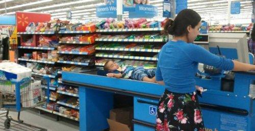 ������ � ���������� � Walmart (24 ����)