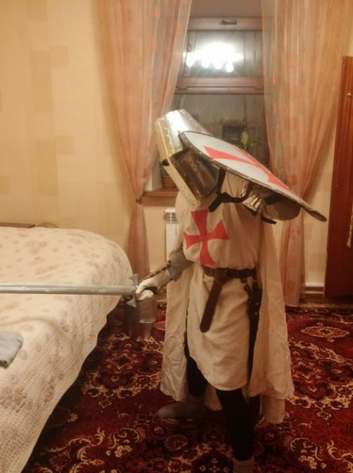 Костюм рыцаря для ребёнка своими руками (12 фото)