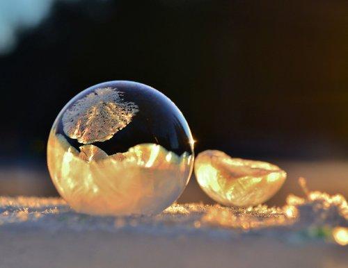 Природные скульптуры из снега и льда (34 фото)