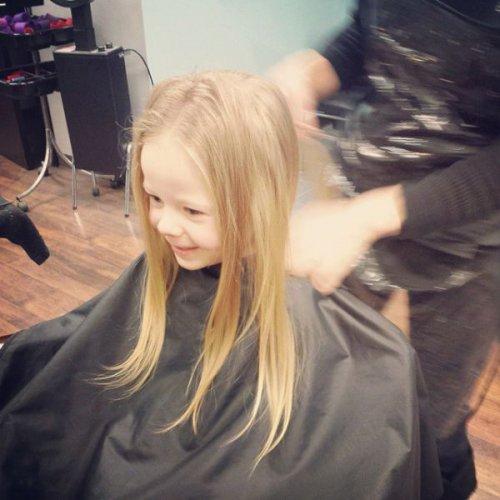 Трогательный поступок 3-летней девочки (7 фото)