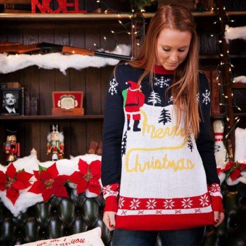 Самые нелепые и весёлые свитеры к Новому году (31 фото)