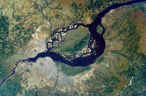 Впечатляющие фотографии нашей планеты с высоты 300 километров (59 фото)