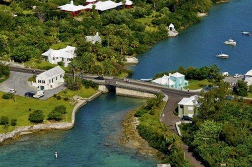 Разводной мост Сомерсет – самый маленький в мире (7 фото)