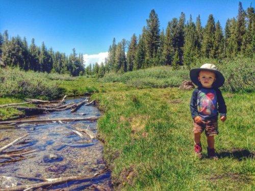 Самый путешествующий 2-летний малыш Бодхи Беннетт (27 фото)