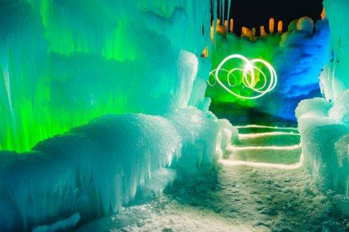 Волшебный замок льда и пламени (14 фото)