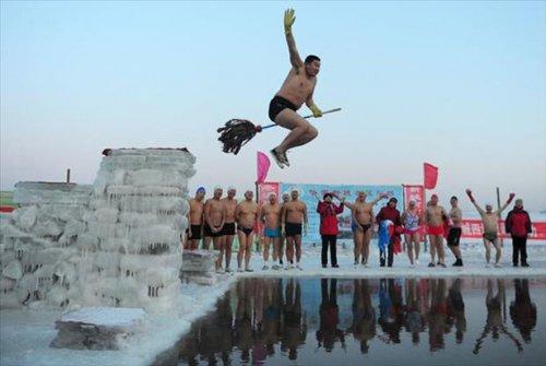 Люди, которые умеют наслаждаться зимой (15 фото)