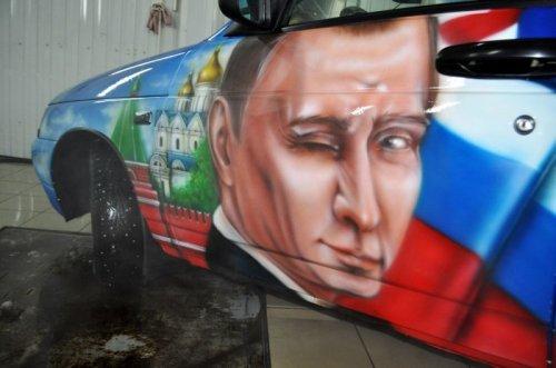 Патриотичный автомобиль, разрисованный для отца-пограничника (15 фото)