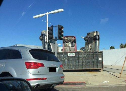 Впечатляющие и необычные аварии и ДТП (23 фото)