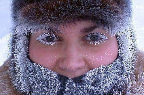 Объёмная тушь для ресниц на севере России (4 фото)