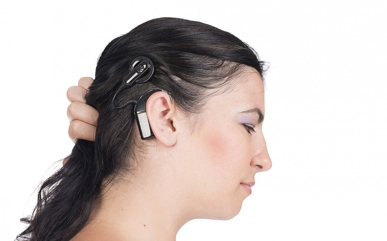 a look at cochlear implants in medicine