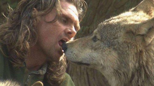 Топ-10: Удивительные истории о людях, которые жили среди диких зверей
